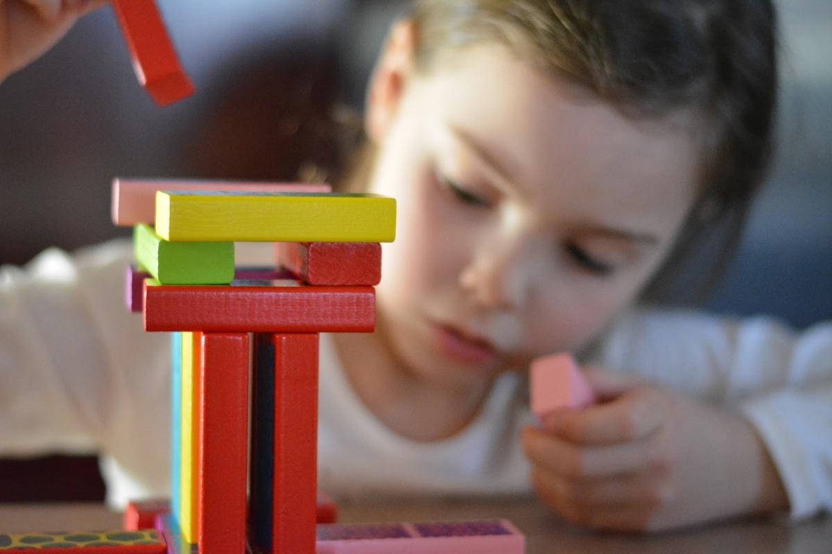 Koka rotaļlietas – radošs priekšmets bērna attīstībai