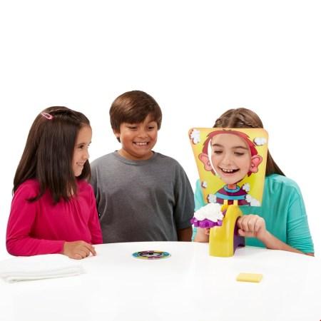 galdaspēles bērniem